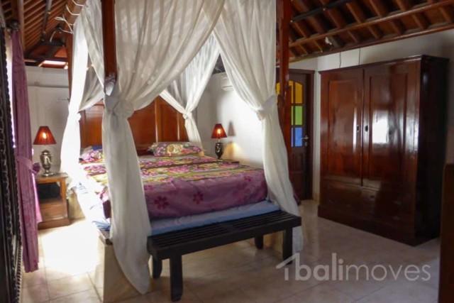 Two Bedroom House Near Market