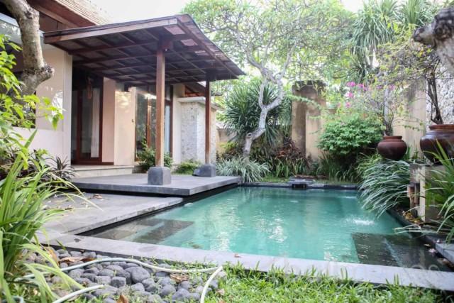 Open Style Modern Villa with Nice Garden
