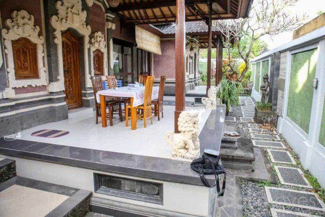 Interesting Balinese/Modern Three Bedroom House