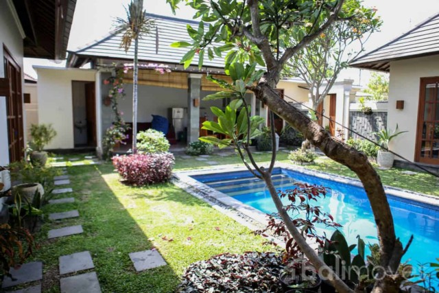 Classic Three Bedroom Beachside Villa