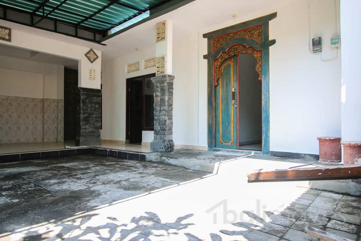 Cheap three bedroom house sanur 39 s property agent for Cheap i bedroom house