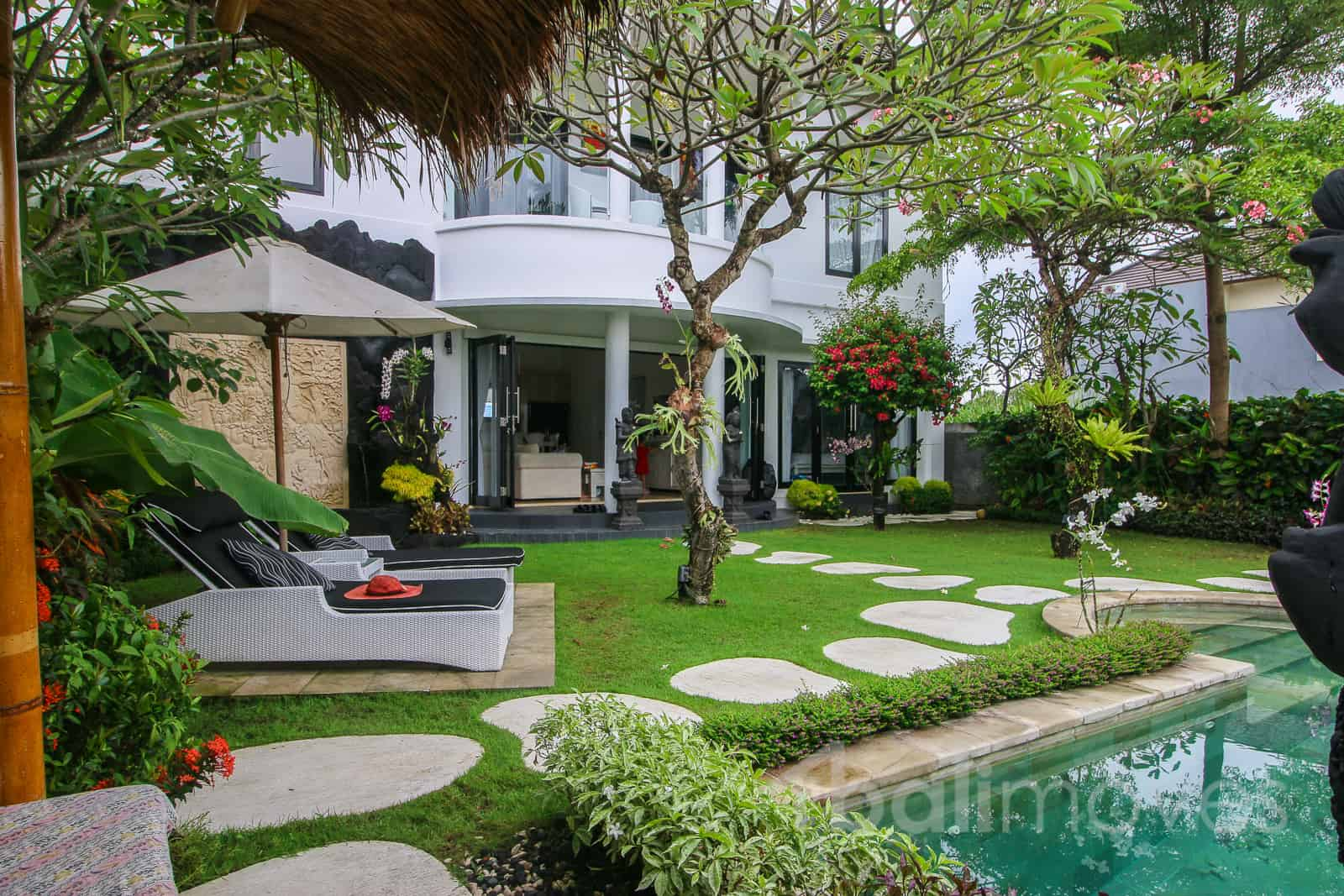 bright neo colonial style villa in keramas sanur 39 s local agent balimoves property. Black Bedroom Furniture Sets. Home Design Ideas