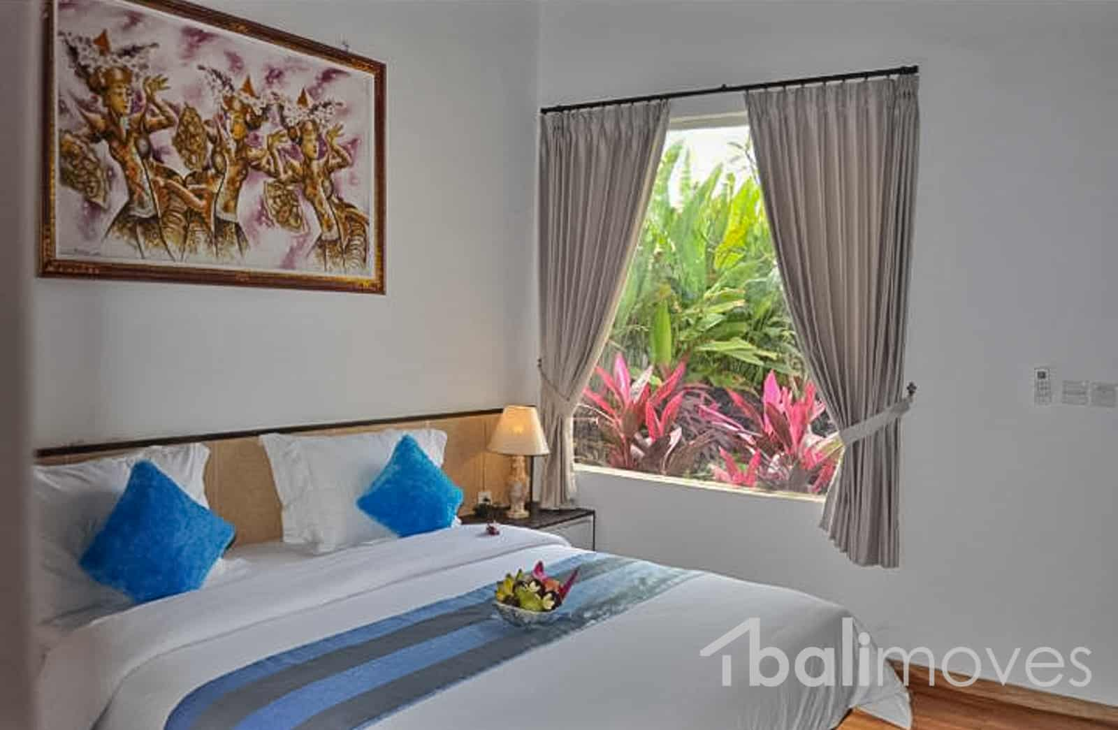 A Very Nice Looking Three Bedroom Villa In Padanggalak